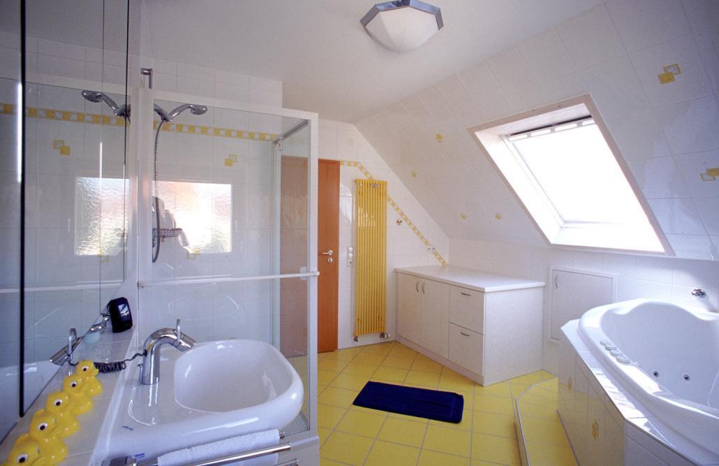 Badezimmer mit whirlpool badsanierung kissel stuttgart - Badezimmer stuttgart ...