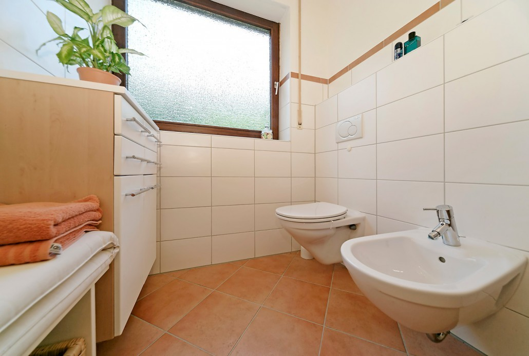 badrenovierung kleines bad. Black Bedroom Furniture Sets. Home Design Ideas