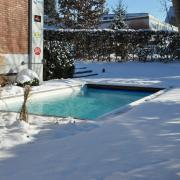 Poolausstellung-im-Schnee-09