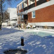 Poolausstellung-im-Schnee-13