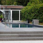 Ausstellung-Pool-Reduktion-aufs-Wesentliche-09