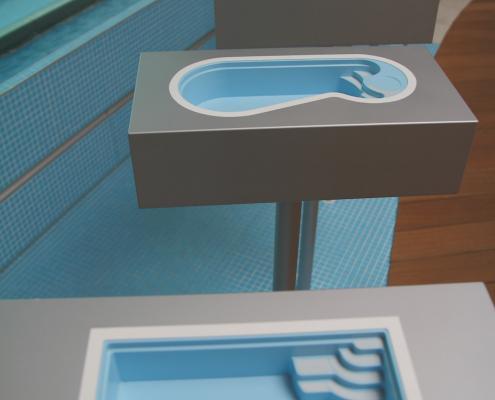 Schwimmbad-Ausstellung-Wasserwand-02