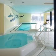 Wellness-Whirlpool-mit-Sauna-01