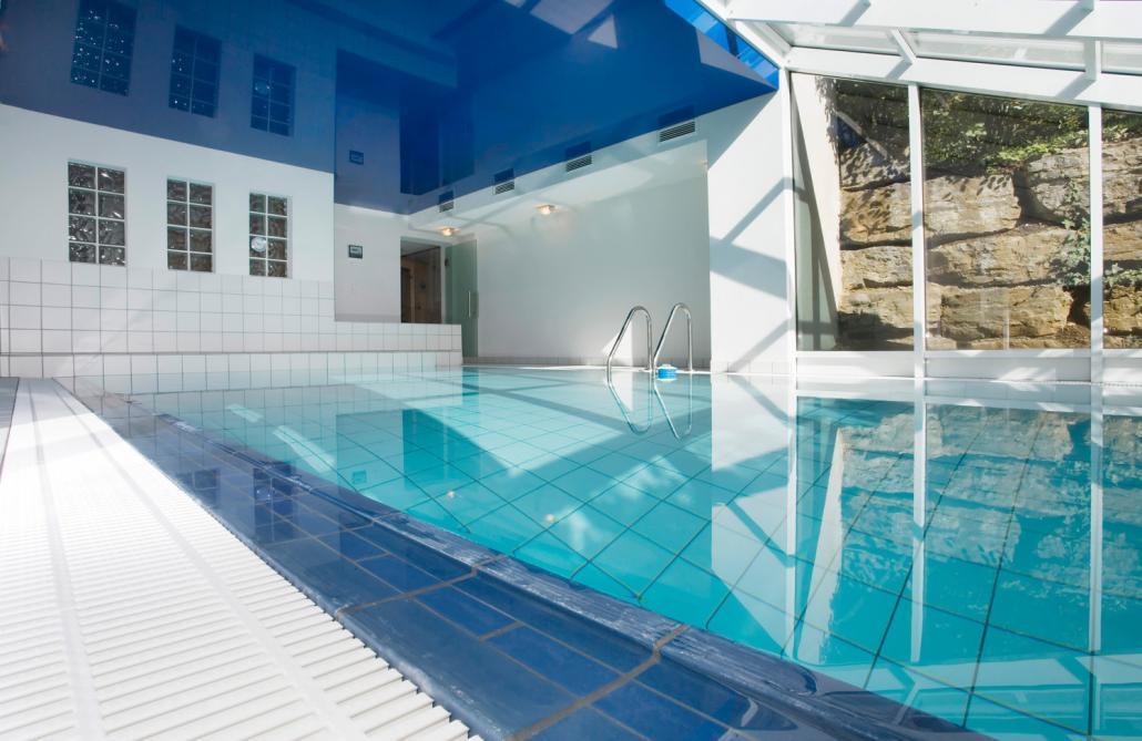 schwimmbadbau hallenbad lebensqualit t kissel stuttgart. Black Bedroom Furniture Sets. Home Design Ideas