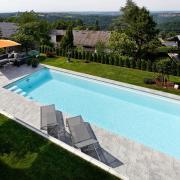 Freibadbau-Schwimmen-Hanglage-15