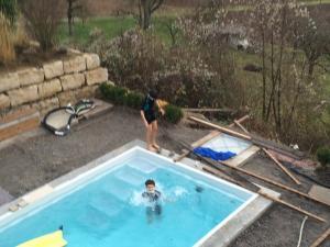 Poolsaison-eroeffnet-01
